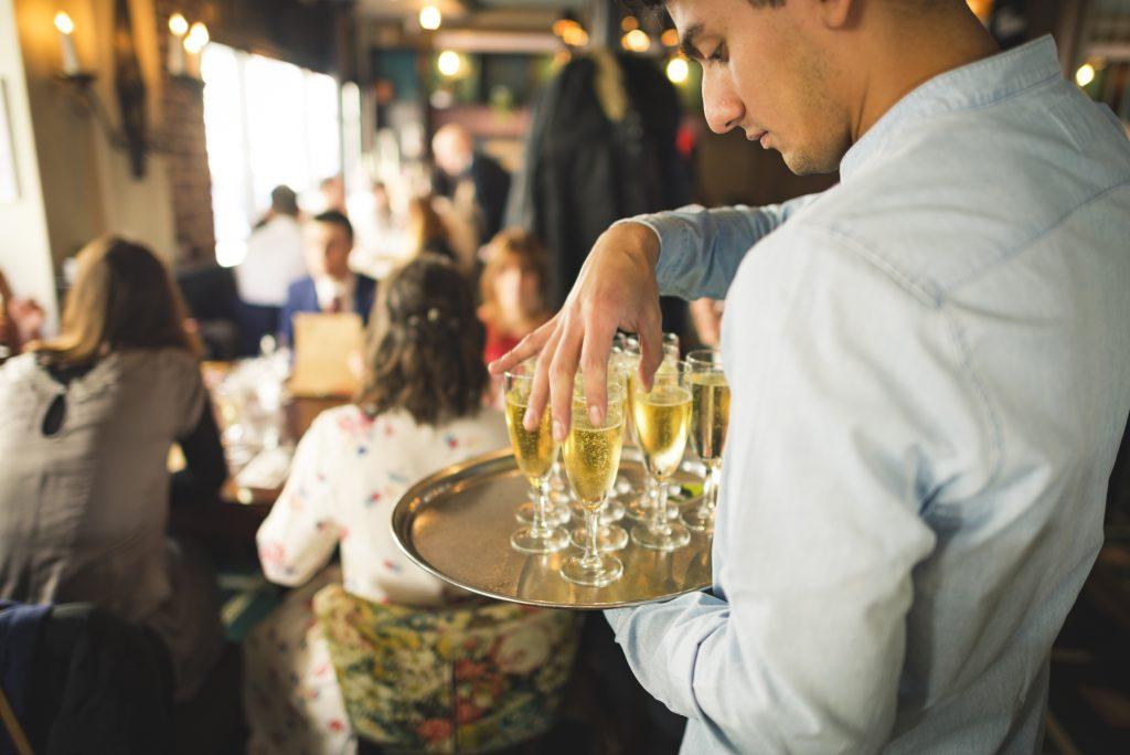 service champagne à Paris