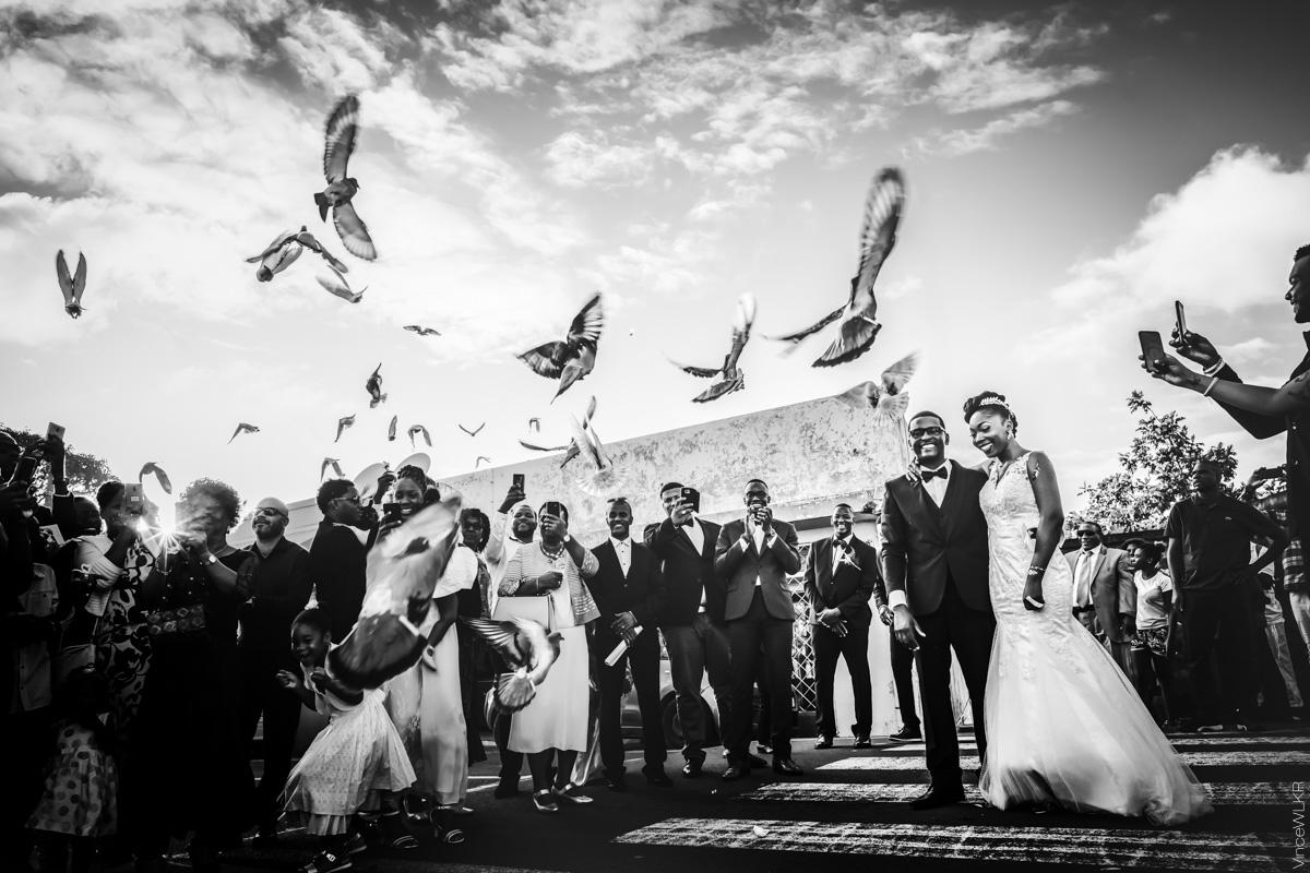 Mariage en guadeloupe avec colombes s'envolant