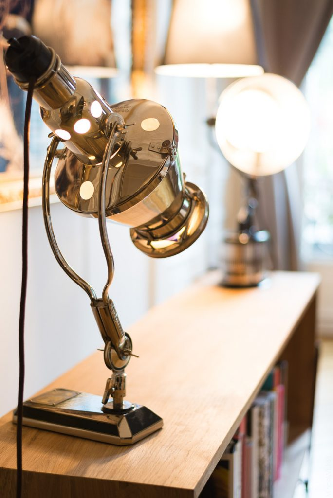 lampe design retro futuriste