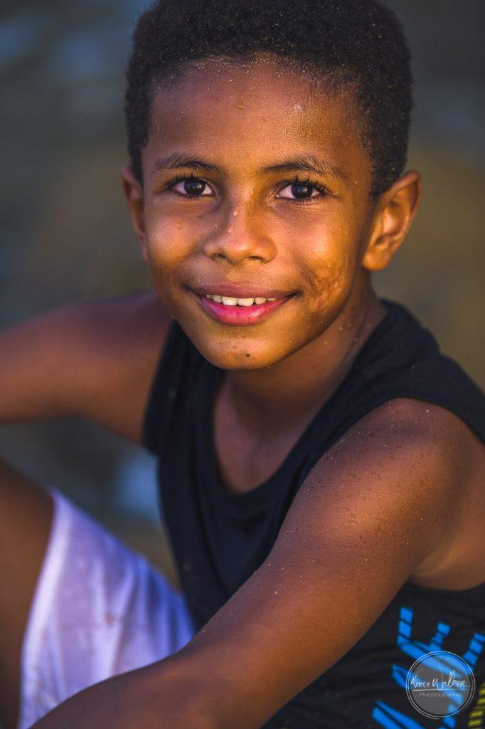 Jeune garçon métisse en Guadeloupe